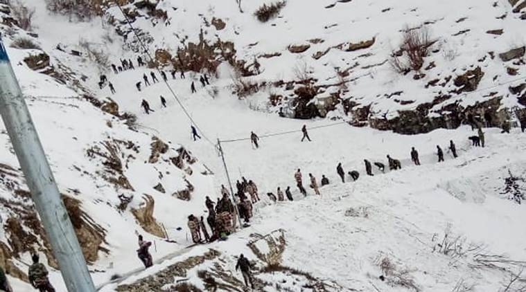 avalanche, avalanche in himachal pradesh, armymen untraceable, armymen missing, search for armymen, indian express