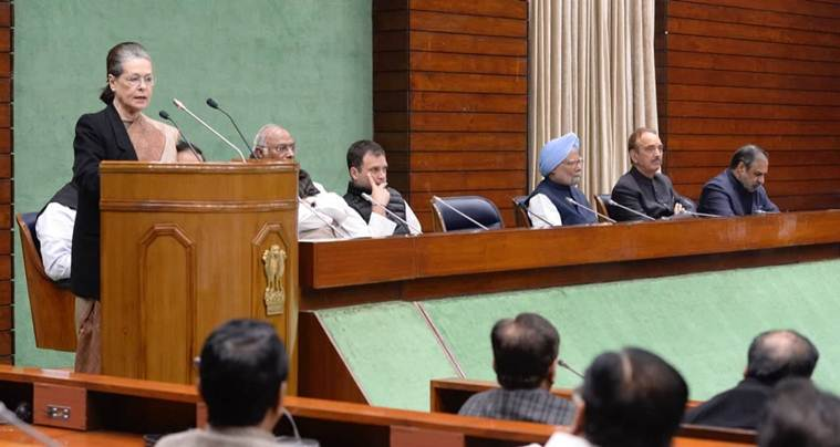 Sonia Gandhi, Sonia Gandhi, Narendra Modi, Sonia gandhi on economy, Congress, Lok sabha elections, Sonia Gandhi news, Rahul Gandhi, Congress meeting, Manmohan Singh, 5 years on modi government, India news, Indian express