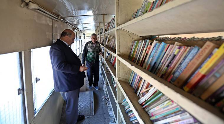 Delhi: Meet the men who bring mobile libraries to your doorstep