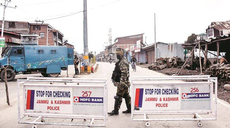 J-K: Militants lob grenade in popular Srinagar market, 5 civilians injured