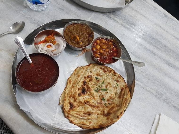 Amritsar, Pakistan's Punjab province, maa ki daal, lachcha paratha, Kesar da Dhaba