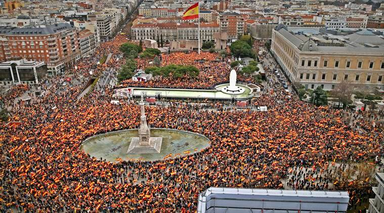 Catalonia, Spain Catalonia, Madrid protest, Pedro Sanchez, Catalonia refrendum, Spain protest, Protest in Spain, World news, Spain news, Indian express, latest news