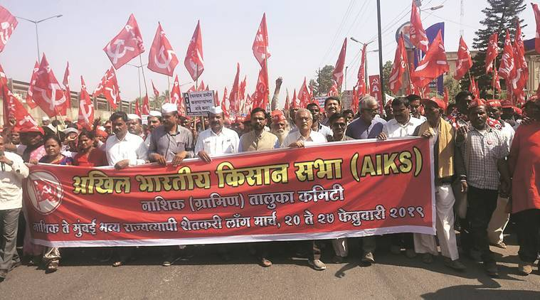 Farmers call off march after Maharashtra govt's assurances