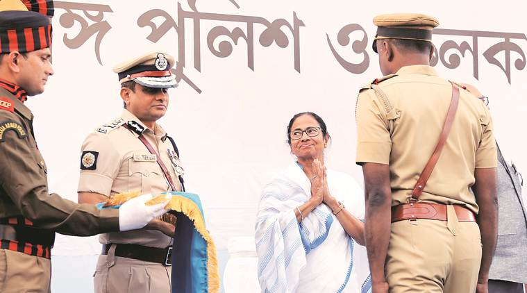mamata banerjee, rajeev kumar, kolkata police commissioner, mamata dharna, mamata banerjee rally, mamata banerjee protest, mamata banerjee dharna ips officer, mamata banerjee sit in ips officers, indian express news