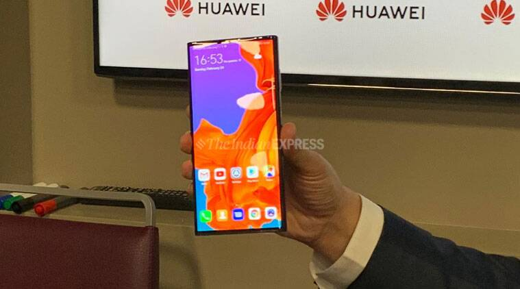 Huawei Mate X, Mate X MWC 2019, Huawei Mate X, Huawei Mate X foldable phones, foldable phones, foldable phones MWC 2019, Samsung Galaxy Fold, Galaxy Fold, Galaxy Fold MWC 2019, MWC 2019, Mobile World Congress
