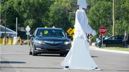 Self driving cars, LiDAR, GPS, self driving cars predict pedestrian movements, University of Michigan, driverless cars, driverless car technology