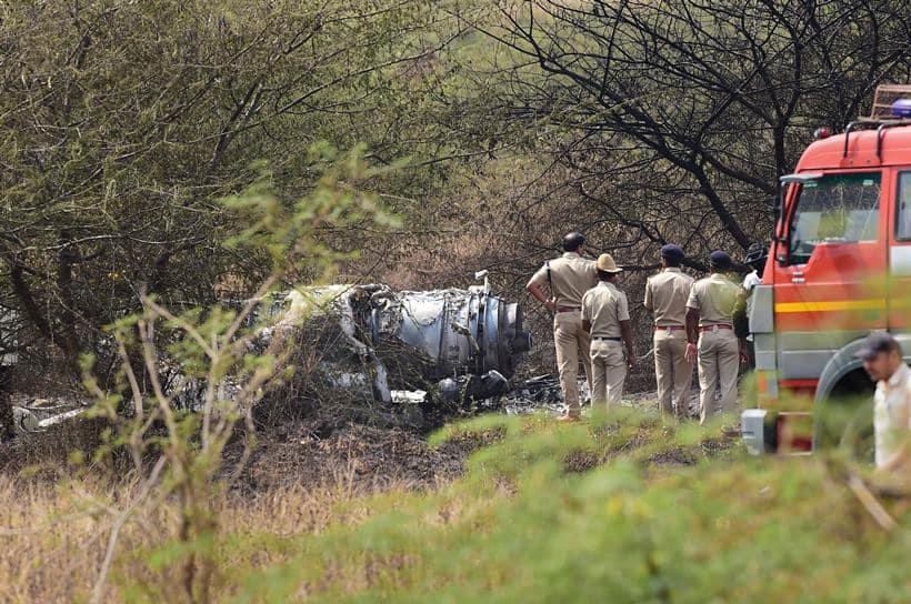 hal aircraft crash, bengaluru aircraft crash, IAF plane crash, Bengaluru crash, HAL aircraft crash, HAL Bengaluru, Bengaluru aircraft crash, Indian air force, IAF crash bengalur, bengaluru crash photos, IAF crash pictures, India news, Indian express
