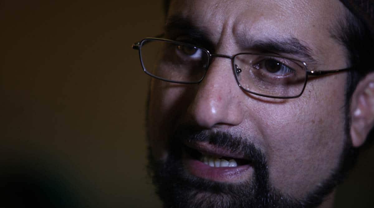 Hurriyat leader Mirwaiz put under house arrest day before PM Modi's visit to Kashmir
