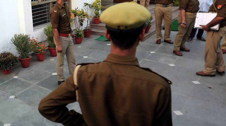 College suspends 6 kashmiri students: MP youth tries to slit hand, chants 'Jai Shri Ram' to avoid arrest