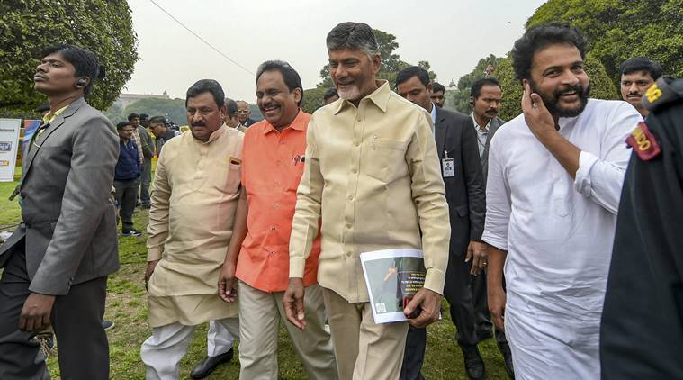 Chandrababu Naidu marches to Rashtrapati Bhavan, demands special status for Andhra from President