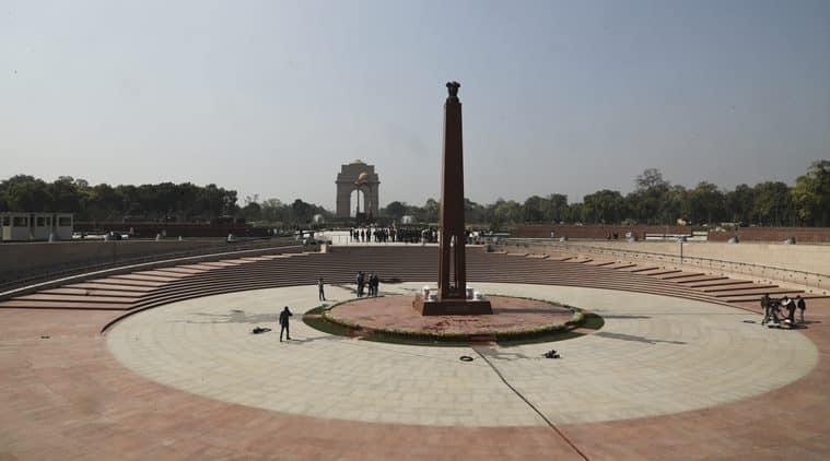 amar jawan jyoti, india gate, national war memorial, narendra modi, soldiers, flame, param yodha sthal, param vir chakra, indian independence, delhi news, indian express news