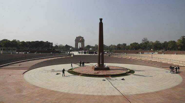 amar jawan jyoti, india gate, national war memorial, narendra modi, soldiers, flame, param yodha sthal, param vir chakra, indian independence, delhi news, indian express news