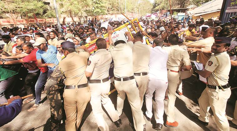 Pune, Pune police, Lathicharge on hearing-impaired protesters, hearing-impaired protesters, Pune Police lathicharge, Pune protests, devendra fadnavis, Indian express