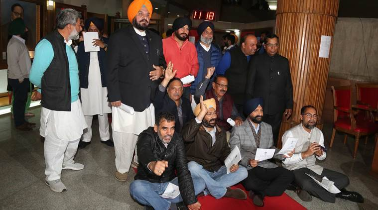 Punjab budget session: Akalis lead families of farm suicide victims in protest march to Assembly