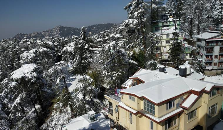 Snowfall in Shimla, Manali affects normal life