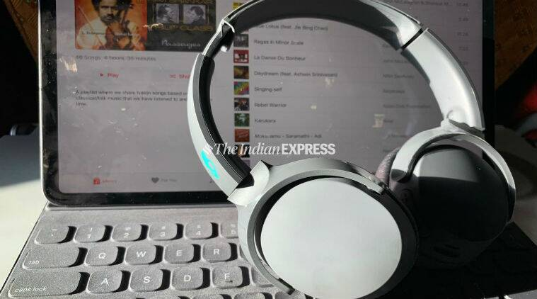 Skullcandy riff, Skullcandy riff review, Skullcandy riff headphones, Skullcandy riff headphones price in India, Skullcandy riff features, Skullcandy wireless headphones