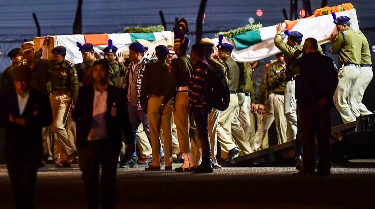 Pulwama Attack: Pm Modi, Opposition Leaders Pay Homage To 40 Crpf Soldiers