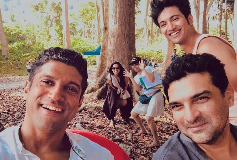 the sky is pink also stars farhan akhtar
