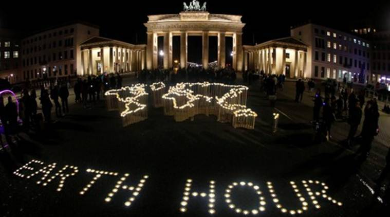 Cities go dark for Earth Hour, bring light to climate change