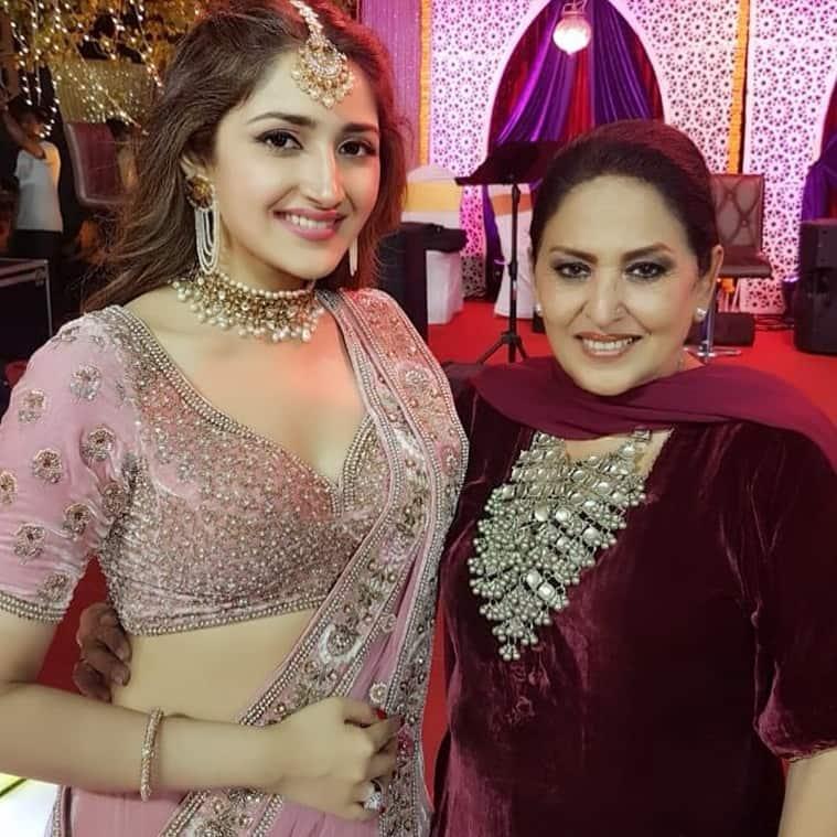 sayyeshaa and arya sangeet
