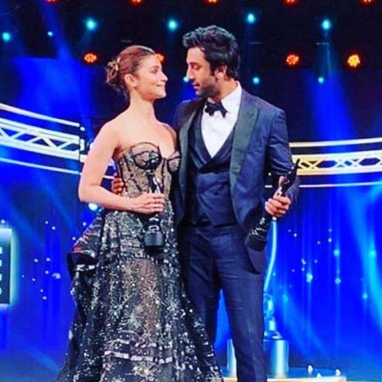 Alia bhatt and ranbir kapoor at filmfare award 2019