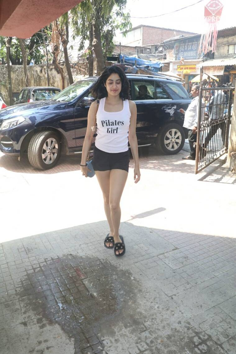 Janhvi Kapoor photo