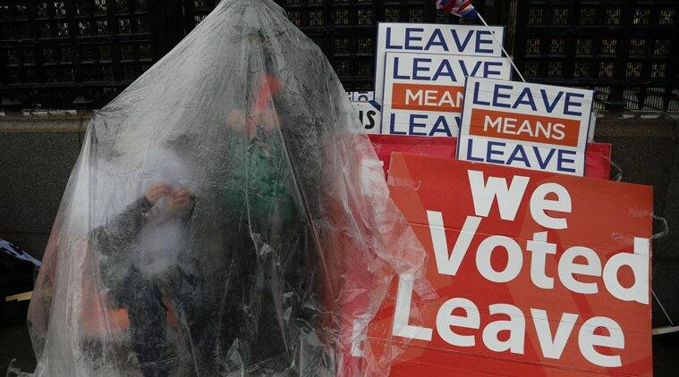 Brexit, Brexit supporters protest, brexit protest, brexiteers protest, leqave means leave, leave means leave march, march against brexit, indian express