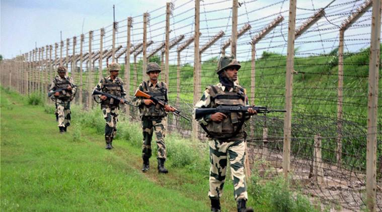 soldier killed, indian army soldier killed, jammu and kashmir, loc, line of control, pakistani troops, mortar shelling, firing, defence ministry, indian express news