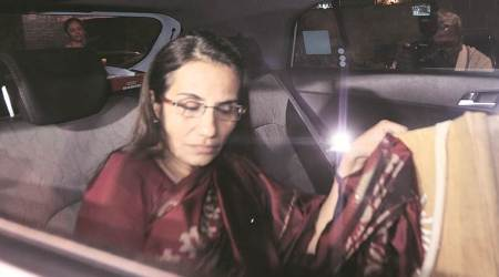 chanda kochhar, deepak kochhar, venugopal dhoot, videocon loan case, ed case, ed questions accused, indian express