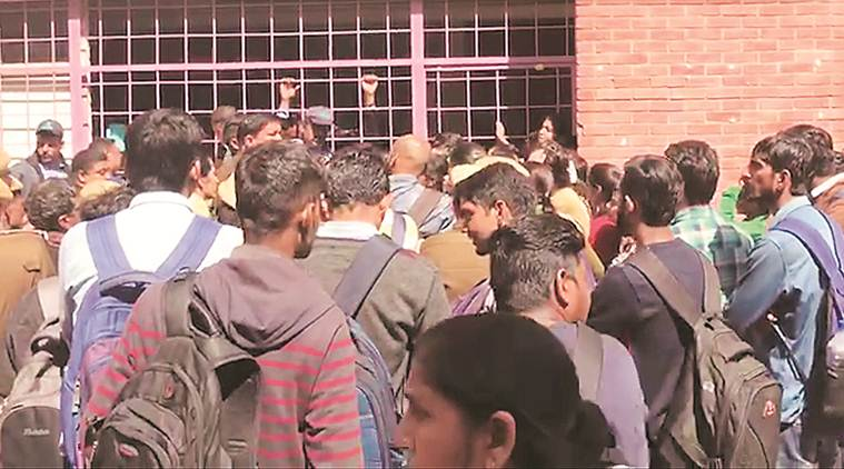 Delhi University: After Maths mass failure, red flags in physics department