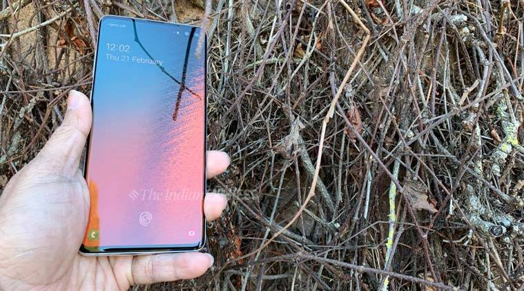 Watch Video: Samsung Galaxy S10 impresses in the durability