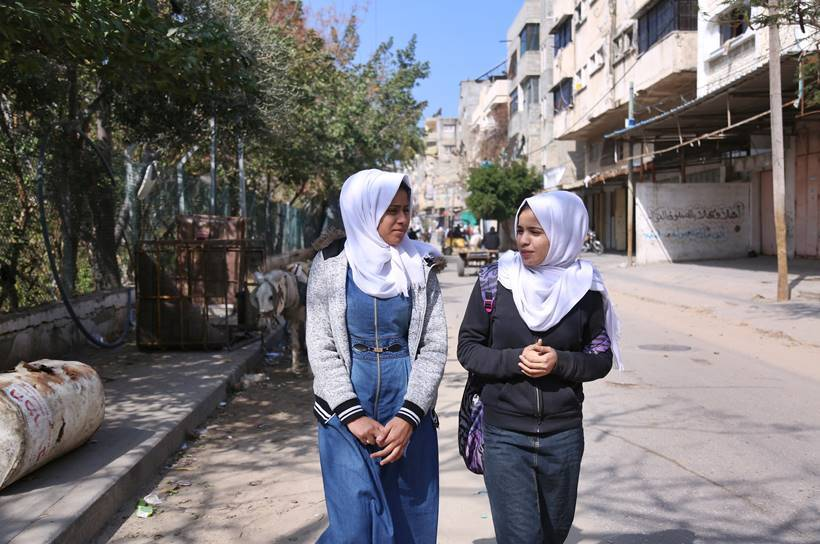 Gaza women walk thin line between hope and despair