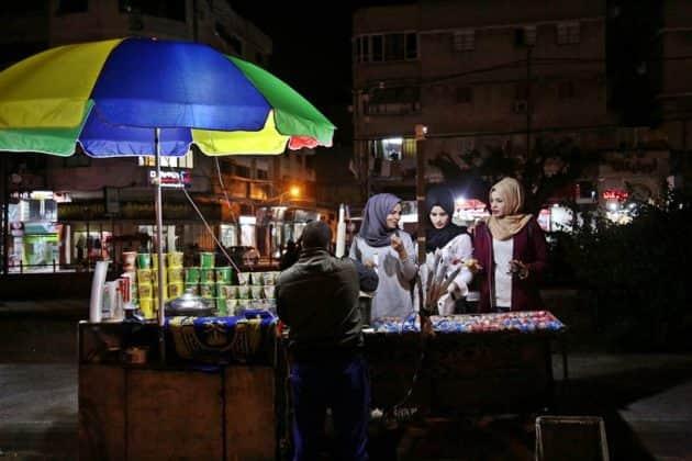 Gaza women walk thin line between hope and despair