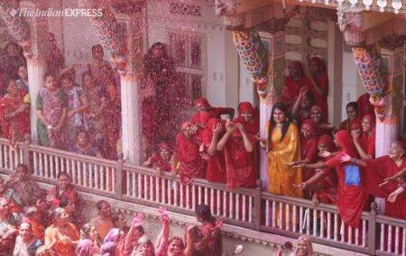 Holi photos, happy holi, holi 2019, holi celebrations, holi pics, holi pictures, holi in india, holi live, holi 2019, indian express