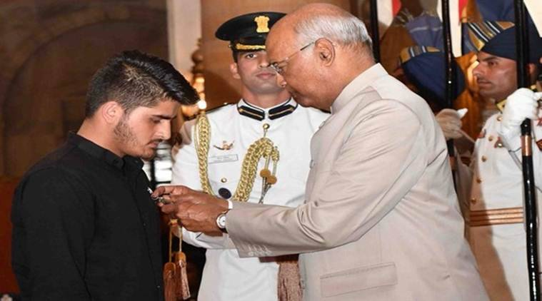 J&k Teen Takes Home Shaurya Chakra For Taking On Militants