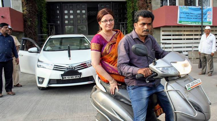 Pune Mayor Follow Model Code Of Conduct, Forgets Traffic Rule