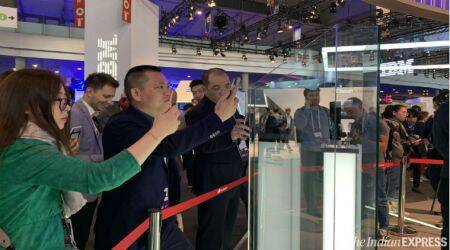 gadgets at MWC 2019, top smartphones at MWC 2019, mwc 2019 best smartphones, Nokia 9 PureView, Huawei Mate X, Nubia Alpha, Oppo 10x optical zoom, LG G8, cool gadgets at MWC 2019, gadgets, smartphones