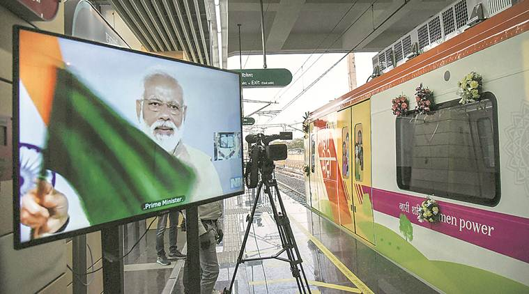 Nagpur metro, Nagpur metro falgged off, Nagpur metro Narendra modi, nagpur metro trial run, metro corridor, nagpur news, Devendra fadnavis, Nitin Gadkari, indian express