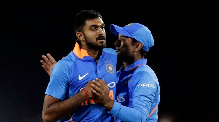 india vs australia, ind vs aus, ind vs aus 2nd odi, india vs australia 2nd odi, vijay shankar, virat kohli, cricket news, sports news, indian express