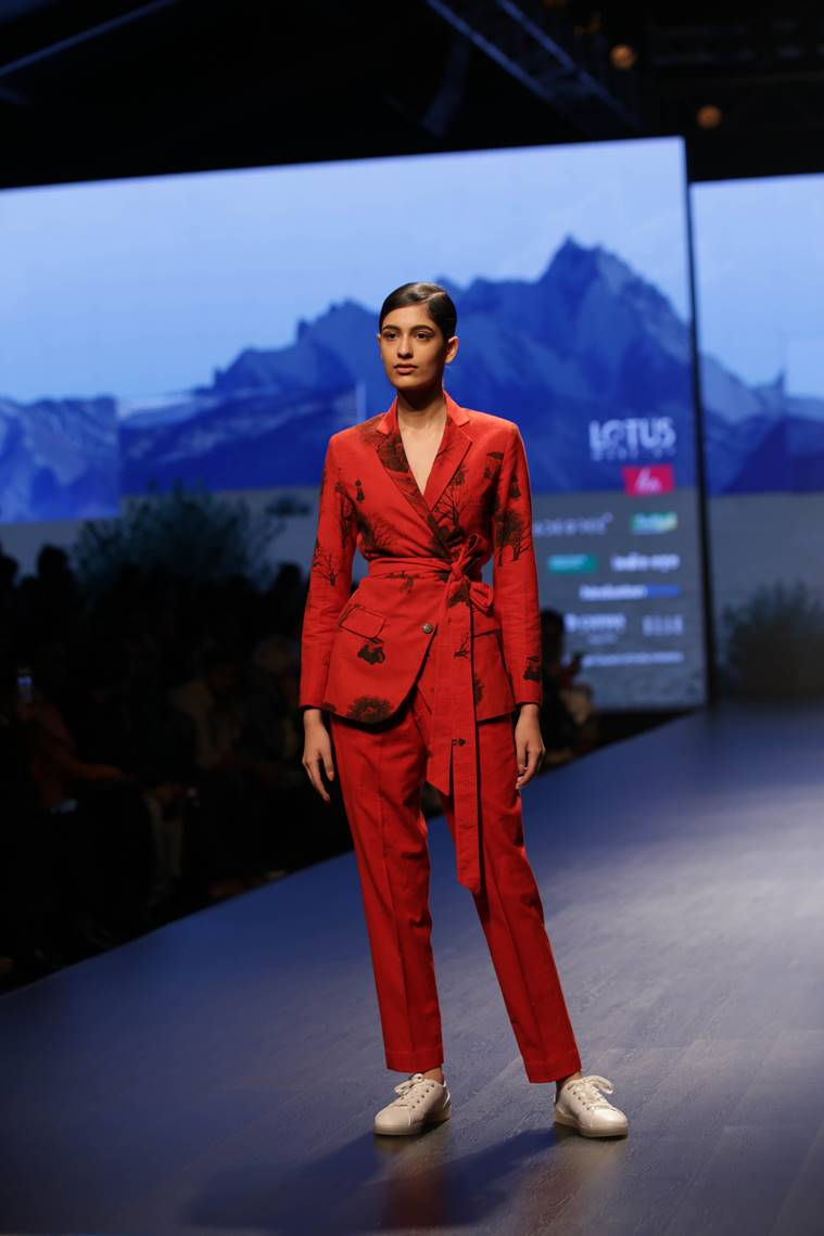 Lotus india fashion week 2019, Lotus india fashion week 2019 suket dhir, indian express, indian express news