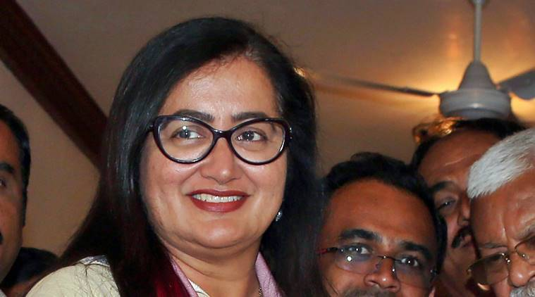 Sumalatha visits BJP office, fuels speculation about joining party