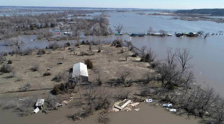 Missouri River flooding forces evacuation of 7,500 from waterfront