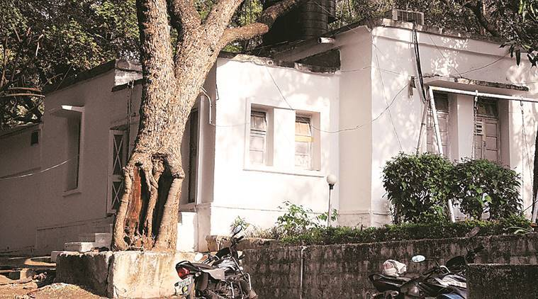 Madhya Pradesh: Top cop guards father who docs said died 2 months ago
