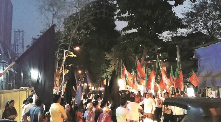 Slum Rehabilitation Authority building not regularised, locals wave black flags at Gopal Shetty's Borivali rally