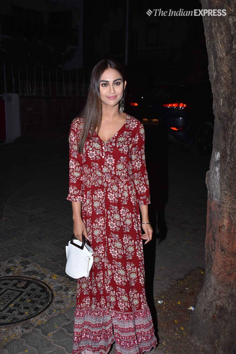 krystle dsouza at jeetendra birthday party