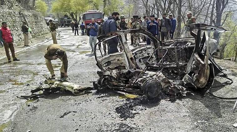 kashmir car blast, kashmir car blast crpf, banihal blast, banihal blast suspect arrested,jammu-srinagar highway blast, crpf bus attacked, crpf convoy attacked, crpf, car blast jammu-srinagar highway, pulwama attack, pulwama crpf attacks, indian express, india news