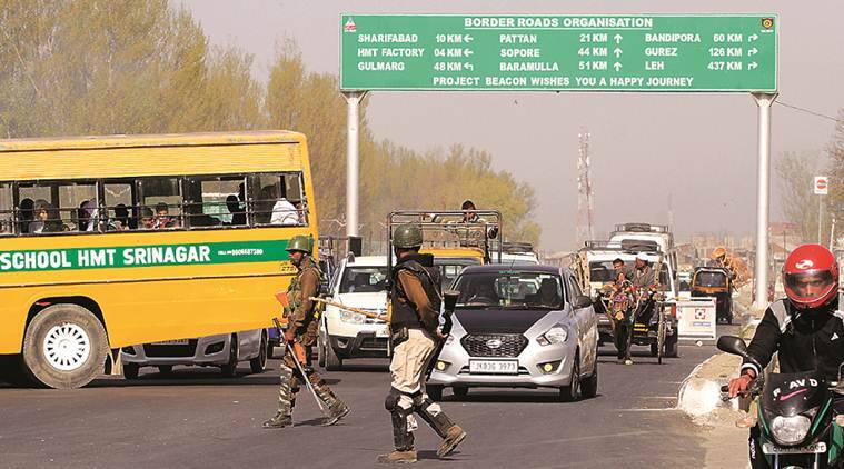 jk highway, jk highway closed, JK lockdown, vehicle ban on highway, vehicle ban jk highway, security reasons, security to armed forces, jk news, j&k news, indian express