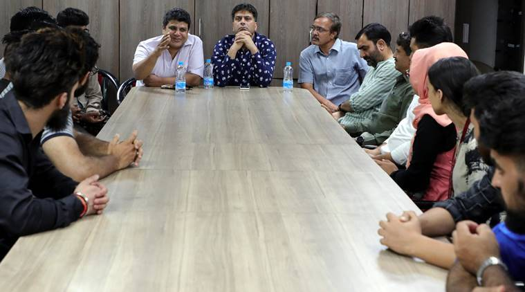 J-K govt reaches out to its students in Pune, discusses problems they face