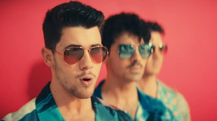 Nick Jonas dance to Meri Pant Bhi Sexy, watch hilarious video here