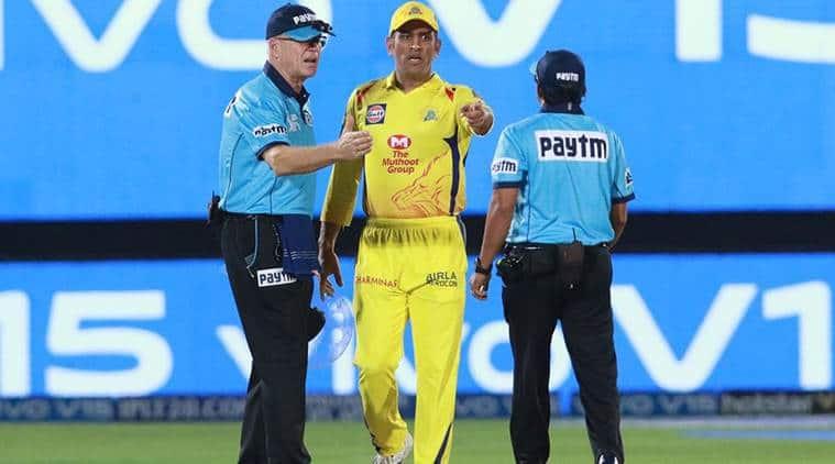 ms dhoni, dhoni angry, dhoni umpire, dhoni no ball, ipl 2019, Ulhas Gandhe, Rajasthan Royals, Chennai Super Kings, RR vs CSK